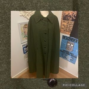 *VINTAGE* Unknown Brand Olive Green Cape
